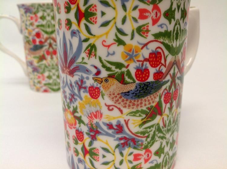 2-mugg Strawberry White       William Morris