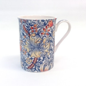 1-mugg Golden Lily Blue             William Morris