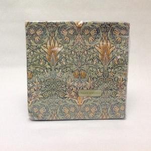 Servetter Snakeshead Green          William Morris