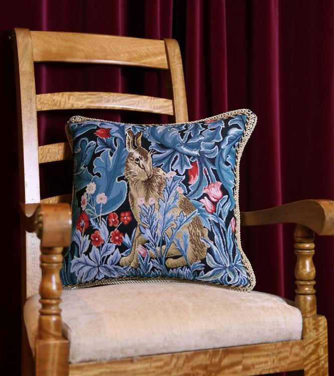 Kudde Hare        William Morris