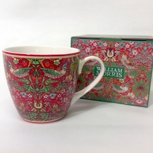 Jumbokopp Strawberry Red New          William Morris