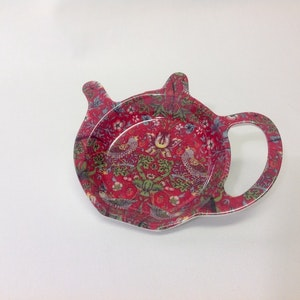Thefat Strawberry Red New              William Morris