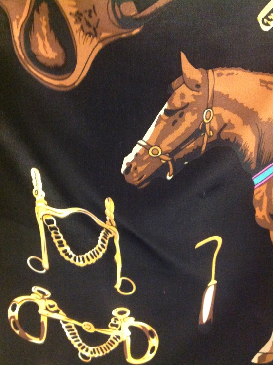 Scarf Horse Black