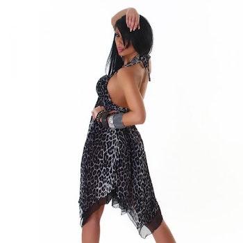 Leopardmønstret kjole - grå