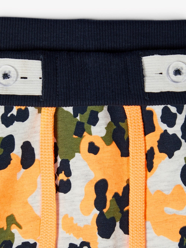 NAME IT - Sweatshirt-shorts mönster