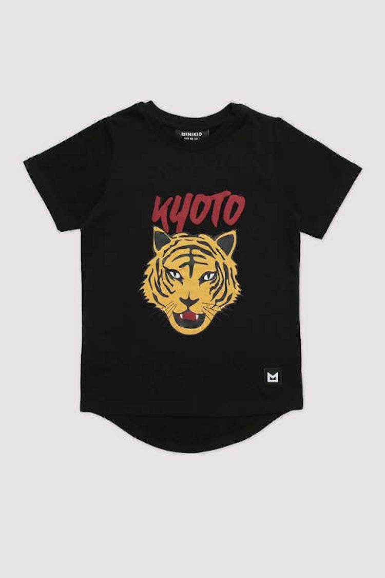 MINIKID svart t-shirt med tiger tryck för barn.