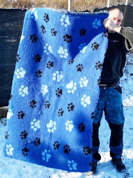 VetBed -  Blått med store hvite og små blå poter