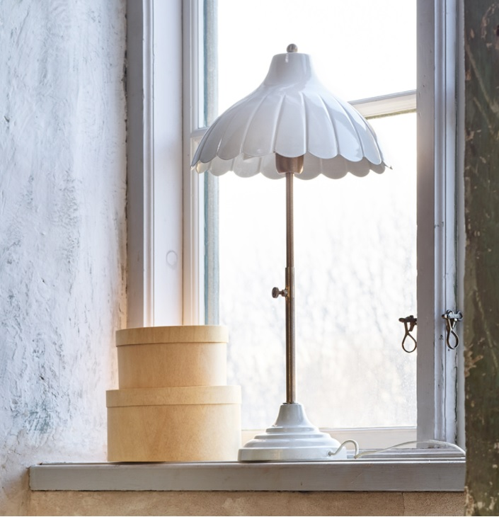 Bordlampa Annie Antik Vit