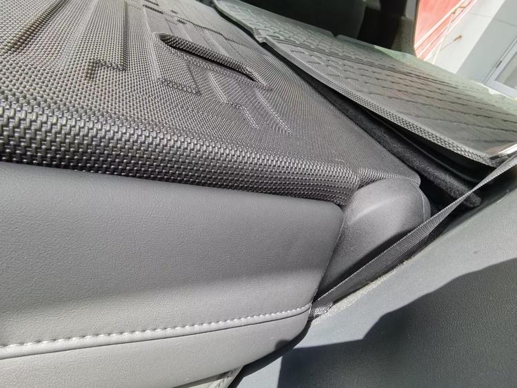 Matta för baksida baksäte Tesla Model Y