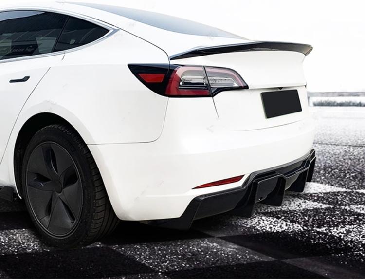Diffuser Tesla Model 3 V-style