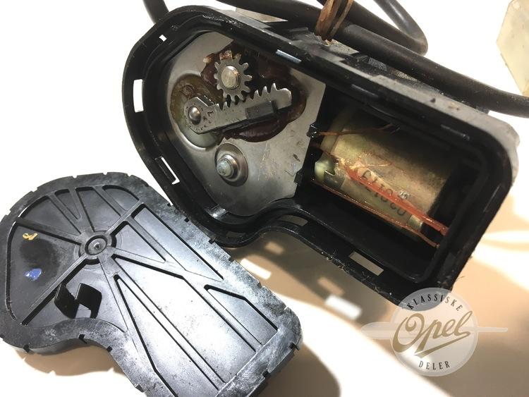 Viskermotor frontlykt høyre (løst lokk)