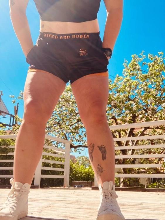 Speed and Power shorts svart/orange premium