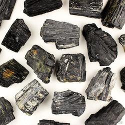 Svart Turmalin, rå stenar