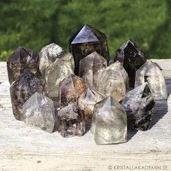 Lodolit, slipade kristaller