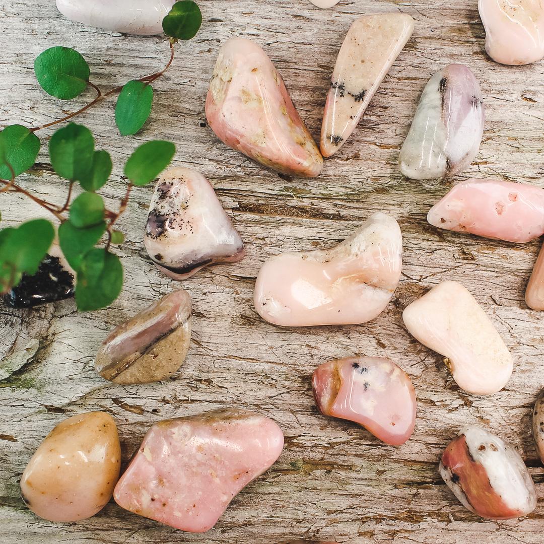 Rosa Opal, trumlade stenar