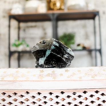 Svart Obsidian, rå stenar