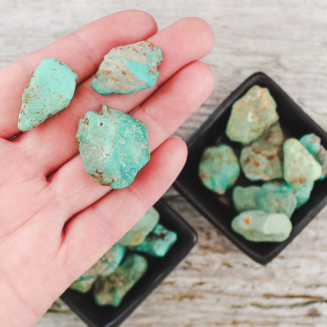 Turkos, rå stenar