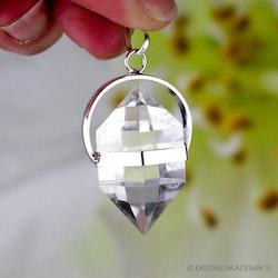 Klar kvarts, hänge med dubbelterminerad kristall