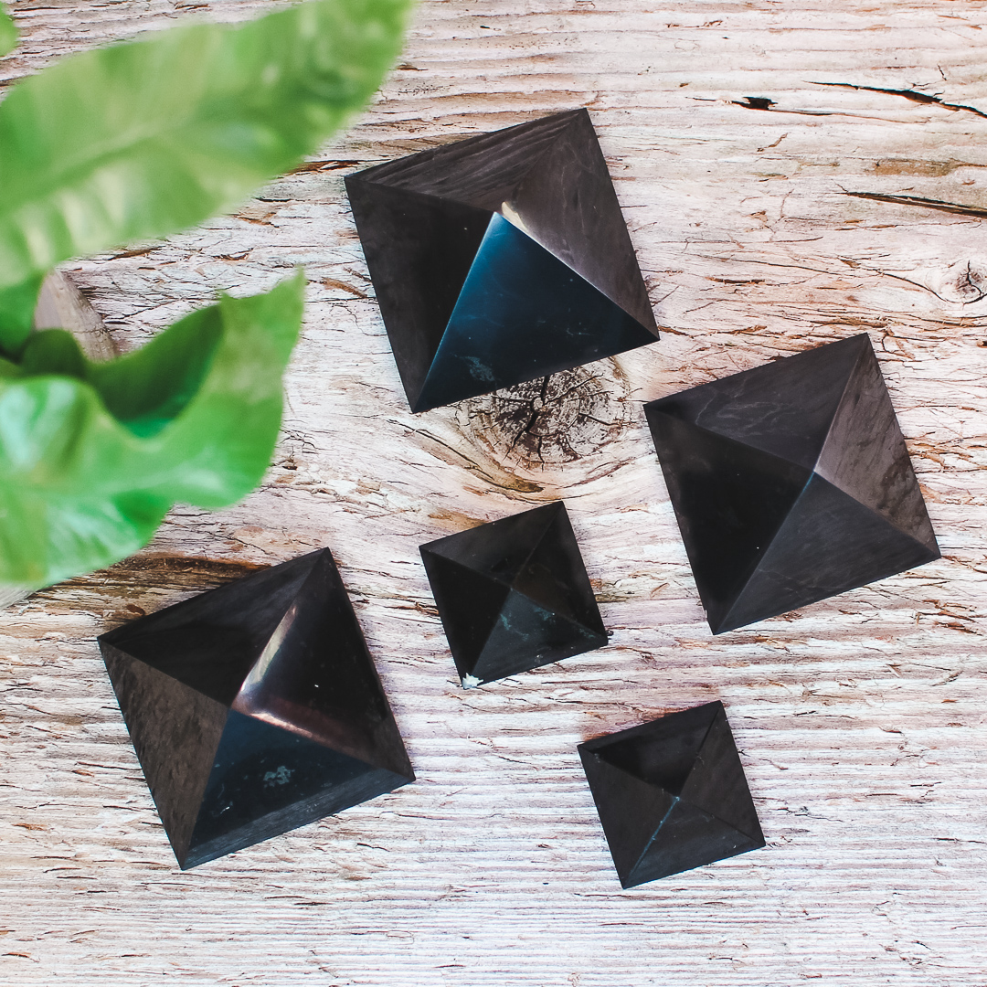 Svart Turmalin Pyramid