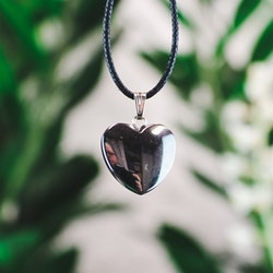Hematit, hjärtformat hänge