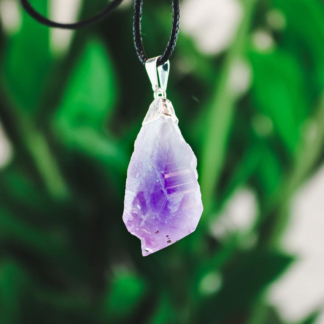 Ametist, hänge med naturlig kristall