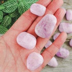Kunzit, trumlade stenar