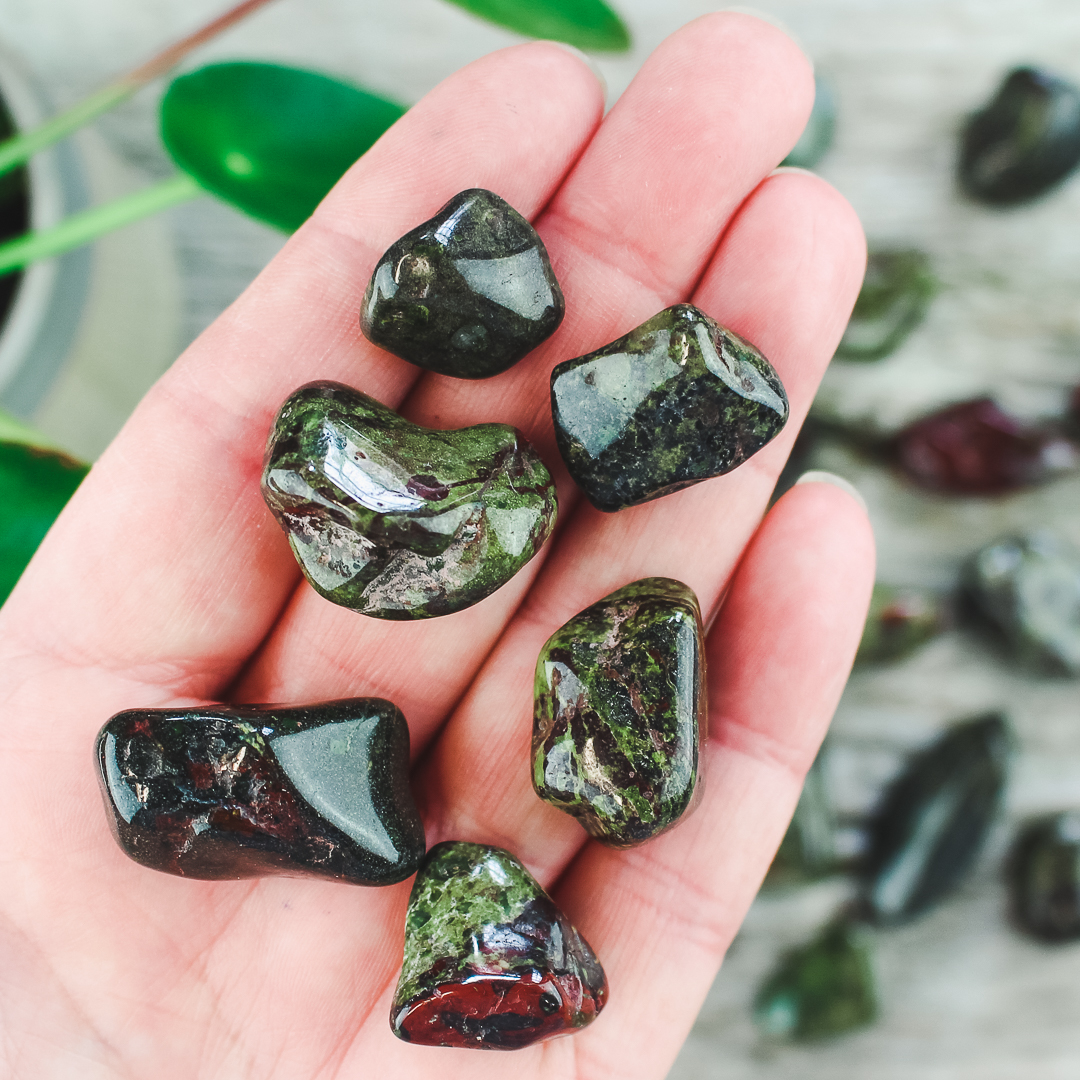 Drakblodsjaspis, trumlade stenar