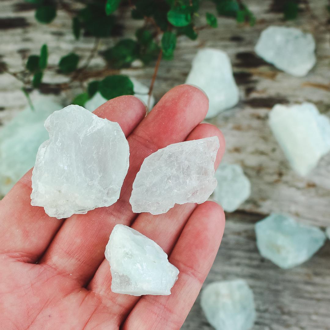 Akvamarin, rå stenar