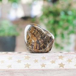 Bronzit, trumlade stenar