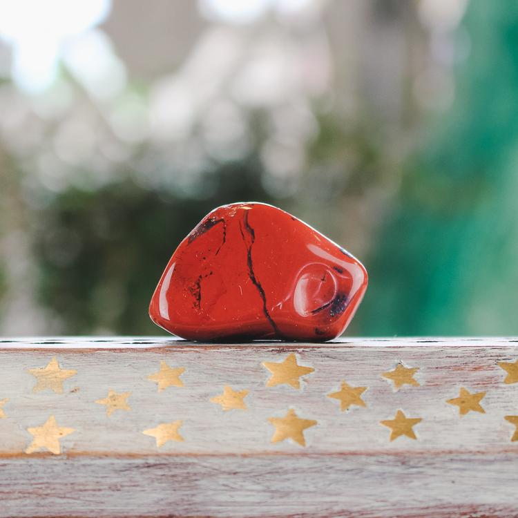 Röd Jaspis, trumlade stenar