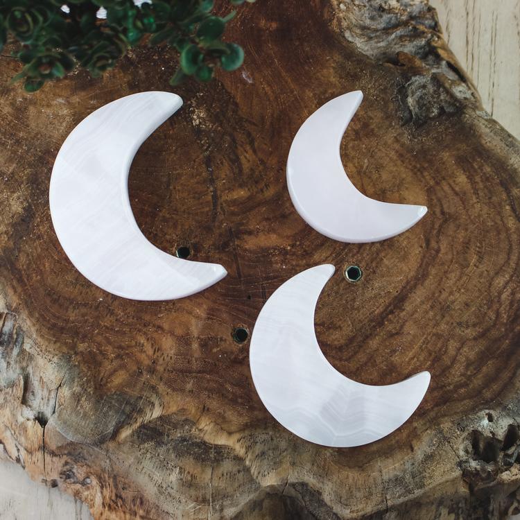 Manganokalcit, måne