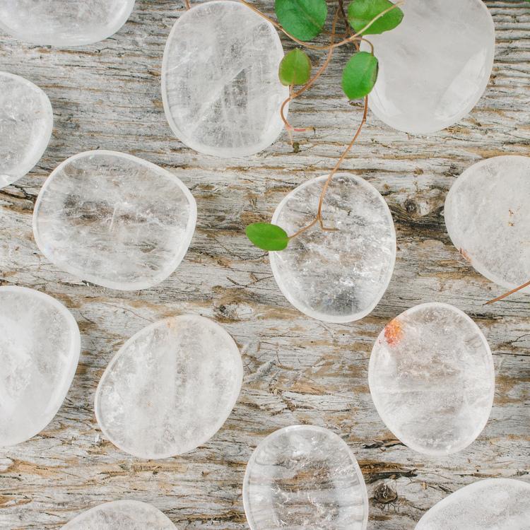 Bergkristall, polerade platta stenar