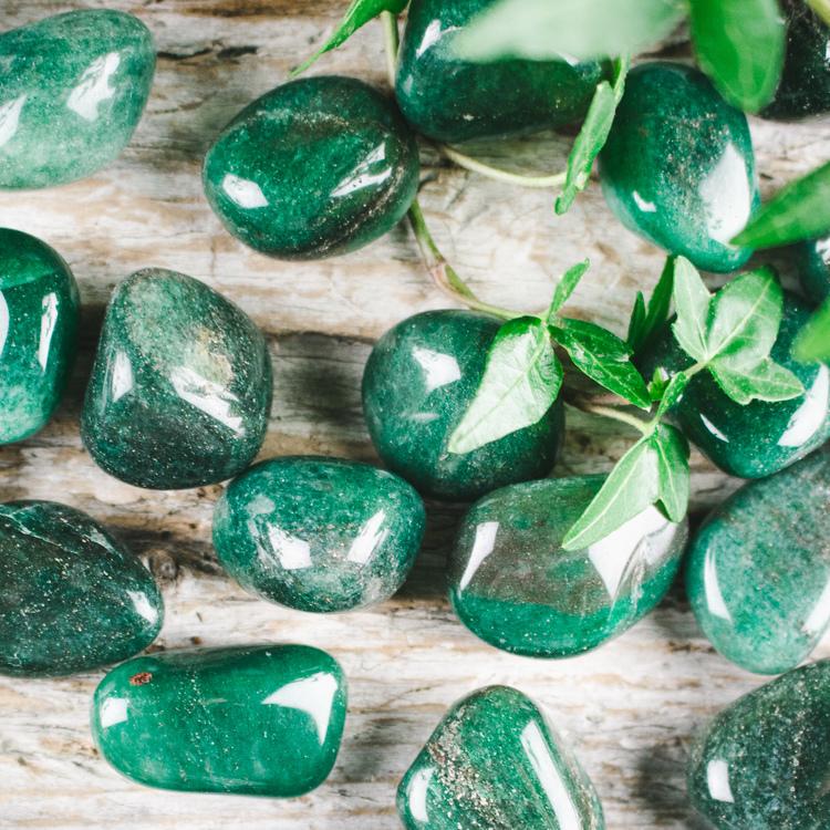 Grön kvarts, trumlad