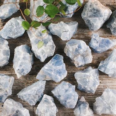 Blå Kalcit, rå stenar