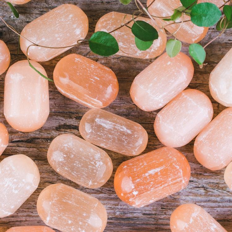 Orange Selenit, trumlade stenar
