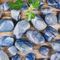 Blå kvarts, trumlade stenar