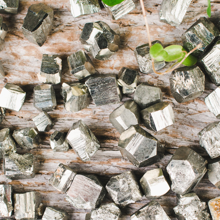 Pyrit, naturliga kristaller