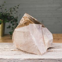 Rökkvarts med rutiler, stor kristall