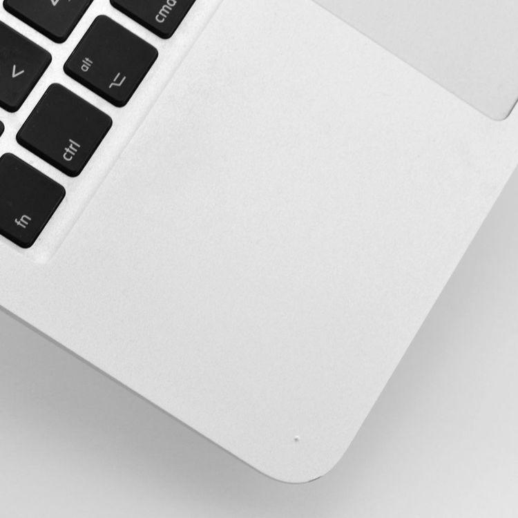 MacBook Air 11 tum (mitten 2011) - BEG - GOTT SKICK - OLÅST