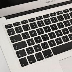MacBook Air 13 tum (mitten 2013) - BEG - GOTT SKICK - OLÅST