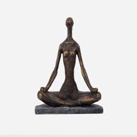 Staty Yoga armar ner