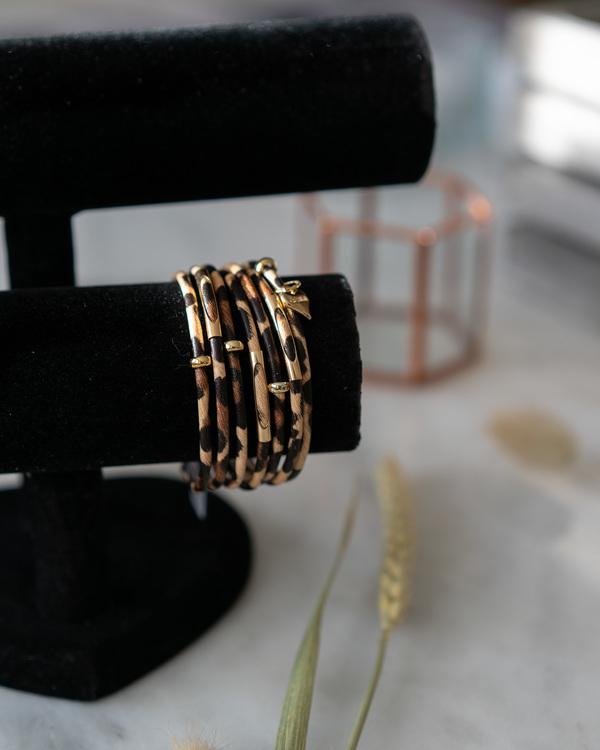 Armband med leopadmönster