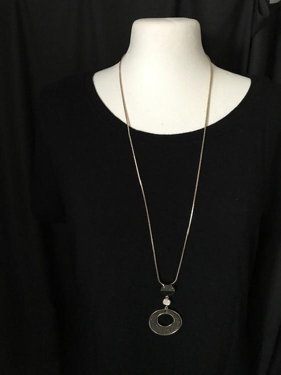 Halsband Långt tre runda hängen