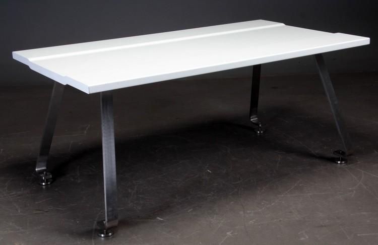 Hyr matbord, Design av Johannes Torpe - 180 x 100 cm