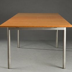Matbord med iläggsskiva, Paustian
