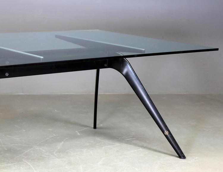 Hyr bord, Fritz Hansen T-No 1 - Design Todd Bracher