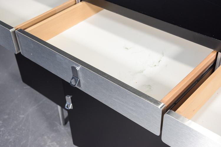 Förvaringsskåp från DUX Sverige - 170 cm