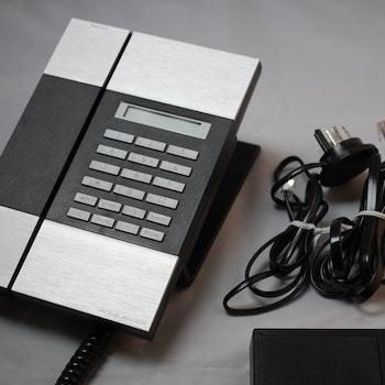 Hyr Jacob Jensen T5 telefon