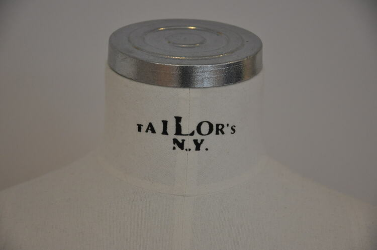 Hyr skyltdocka, Tailor's NY. Italy - Handsydd byst