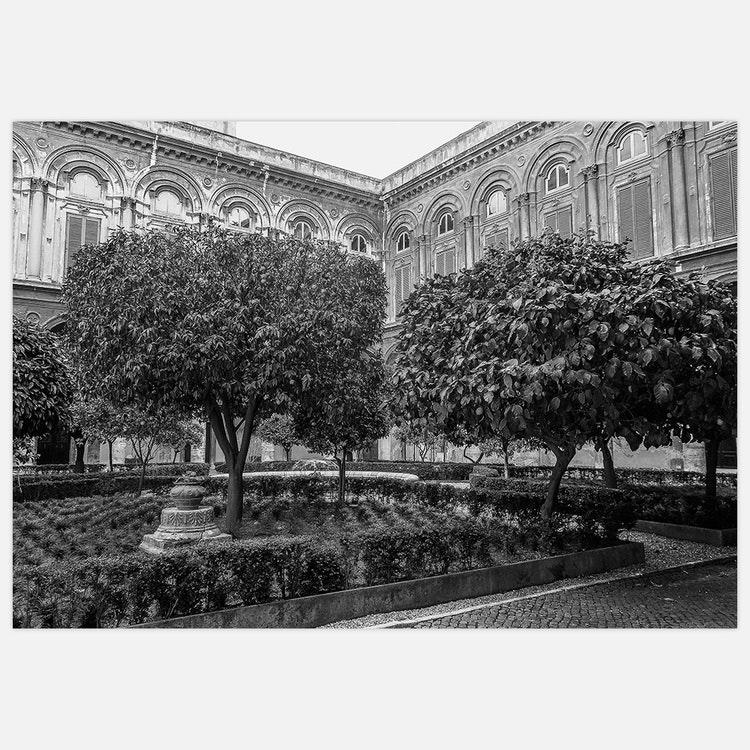 Rome Garden black & white